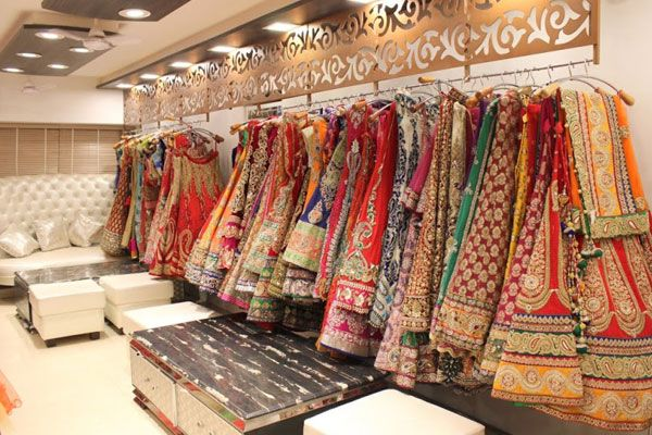 Dresses-for-the-Bride-in-udaipur-rajasthan